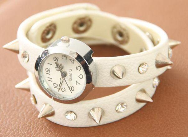 Часы с шипами, женские (Белые) со скидкой 175 рублей - Bonfix.ru