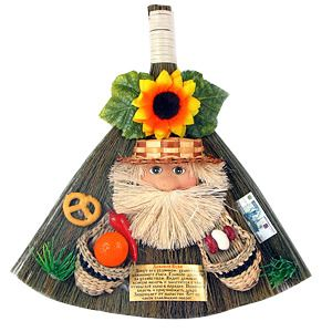 """Оберег домашний """"Домовой Кузя"""" (домовой Кузя, веник, лапти), 25 см, керамика, соломка"""