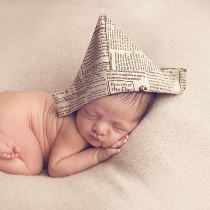 Газета Ткань Hat Сейлор Hat Газетной Бумаги Ткань Новорожденный ребенок Фото Опора Французский Бюллетень Печати