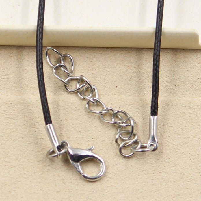 Новинка. Кулон из оловянного сплава на чёрном кожаном шнурке ручной работы. Цена от производителя.