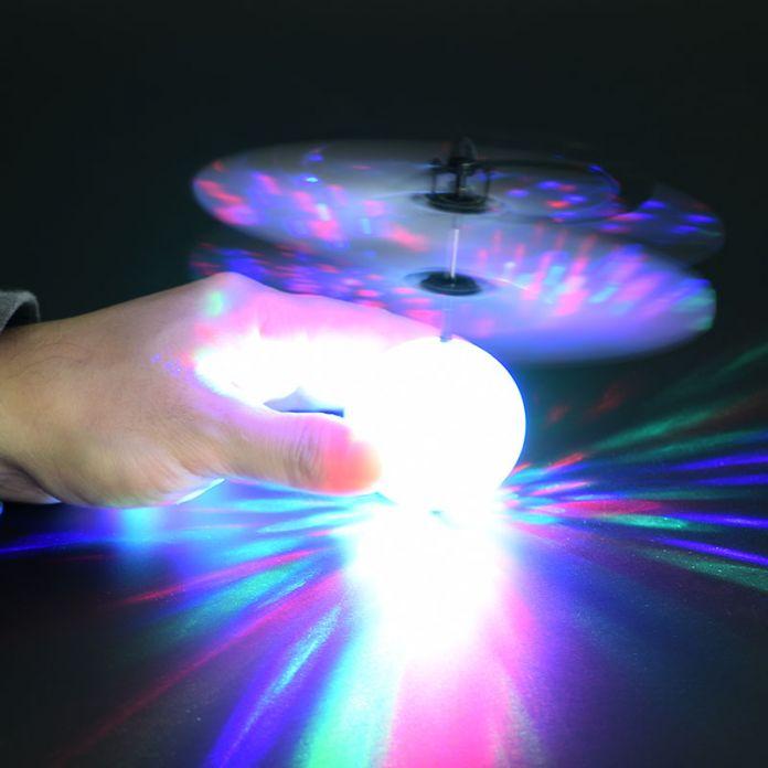 Новые Электронные Игрушки RC Вертолет, Летающий Мяч НЛО Мяч С Музыкой Высоте Индуцированной Магический Шар Самолет Красочные Как ChristmasGift