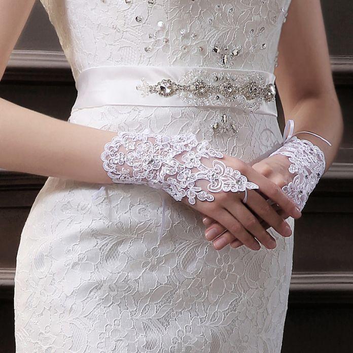 Короткое свадебные перчатки