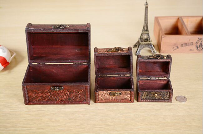 1 ШТ. высокое качество древесины мини шкатулка шкатулка серьги ожерелье кулон дисплей ювелирных изделий подарочная упаковка коробка для хранения A1069