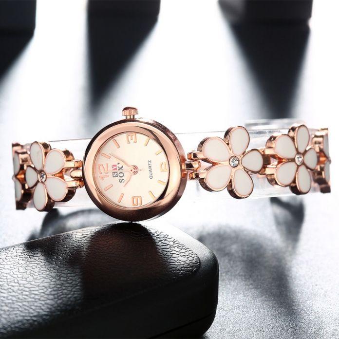 Литературный свежие прекрасные моды прилив женские модели браслет часы кварцевые часы девушки смотреть небольшие цветы ромашки пять листья травы