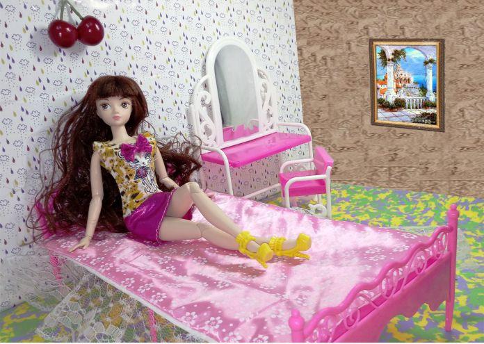 Кукла Аксессуары Toys Девочки Играют Дома Toys Большая Кровать и комод Туалетный Столик со Стульями Кукольный Домик Мебель Для Barbie кукла