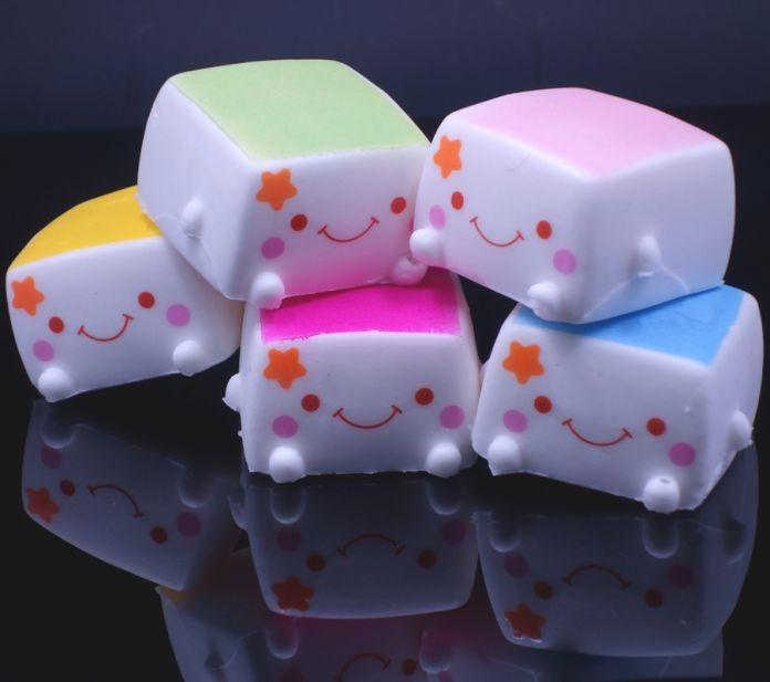2016 Новый Красочный Kawaii Тост тофу Мягкими Jumbo Руки Подушку Хлеб Аромат Детские Игрушки Мягкие Китайские Очаровательны Выражение Улыбка Лица