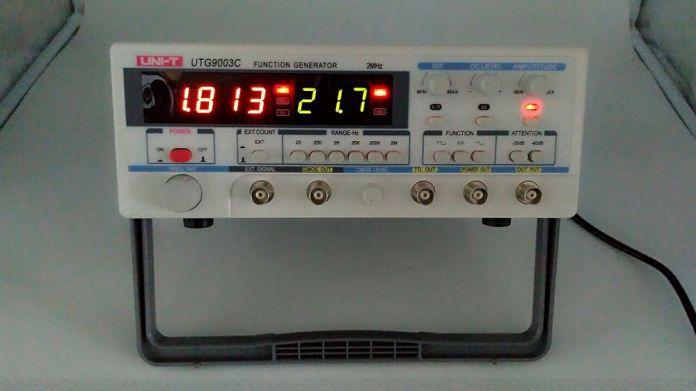 Бесплатная доставка 2016 последняя модель UNI-T UTG9003C 2 МГЦ 25Vp-p Цифровой Функциональный Генератор Генератор Сигналов