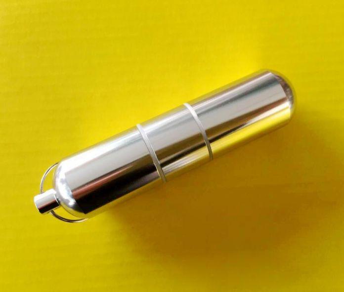 Персонализированные С брелок Портативный металлический портсигар мужские Мини-сигареты box влагостойкие анти-давление
