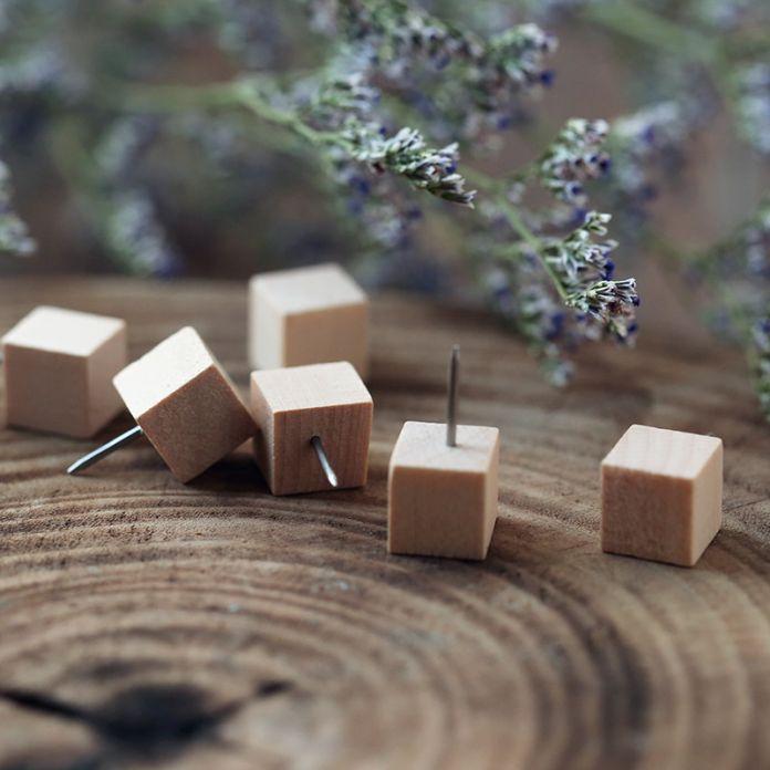 10 шт. / Pack дерево японский творческий декоративные пробка доска булавки Broches канцелярской кнопки японский прикроватные тумбочки чертежная ногти