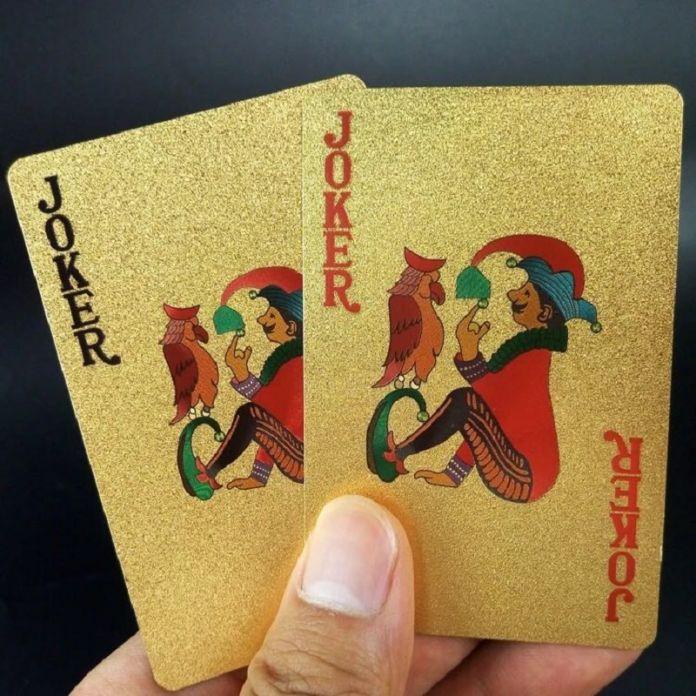Евро Пластиковые Карты 24 К Золотые Игральные Карты ПВХ Водонепроницаемые Пластиковые Игральные Карты Клуба Игры Игральные карты Позолоченный Палубе подарок