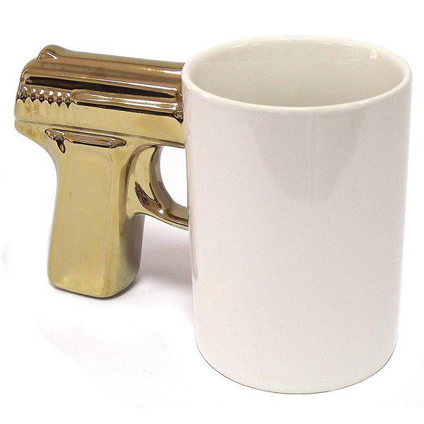 фото Кружка пистолет белая с позолоченной ручкой 7.5х10 см