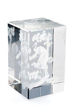 фото Куб из хрусталя с лазерной картинкой