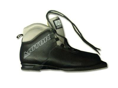 фото Ботинки лыжные