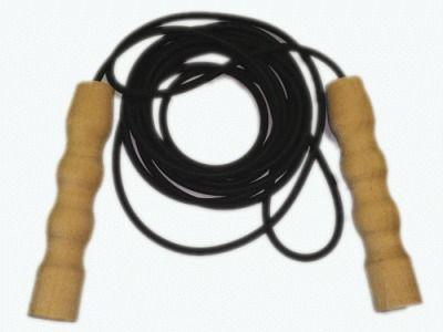 фото Скакалка резиновая черная 3.8 м с деревянными ручками