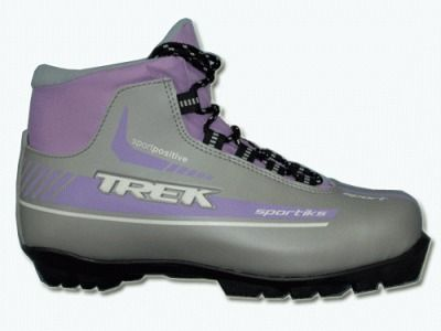 фото Лыжные ботинки из искусственной кожи TREK Sportiks на подошве NNN Материал верха: искусственная кожа. Цвет: верх - серебро, логотип - сиреневый, капровелюр - чёрный . р-р. 43 ИК38-13-27/0813, 36-14-08